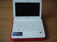 White Samsung Netbook N210 Plus w/ Case and Charger