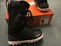 Thirty two lashed snowboard boots, size uk 7