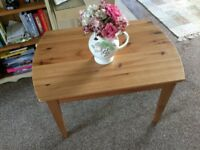 Pine coffee/occasional table