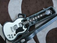 Epiphone G-400 SG White Electric Guitar with Hard Case