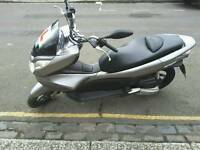 honda pcx 125 auto excellent condition only 1299. np offers