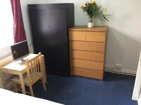 Large Double Room Available in Shepherds Bush - Close to Hammersmith & city line and central line