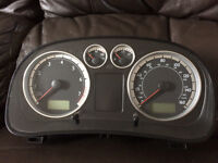 VW GOLF MK4/BORA FULL FIS SPEEDO/CLOCKS 1J5 920 946 A (W8 LOOK A LIKE)