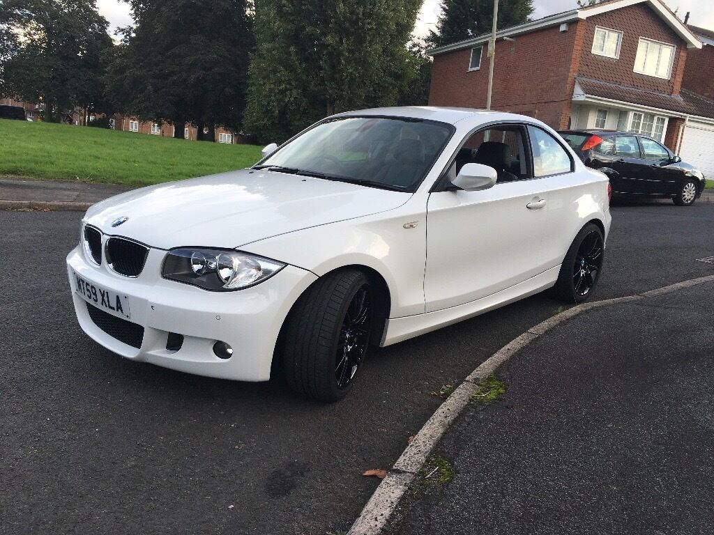 bmw 1 series 118d coupe sport, white. £30 a year road tax, 11