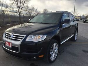 2010 Volkswagen Touareg Highline | sunroof | leather