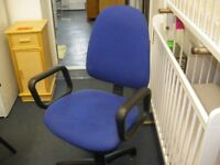 BLUE OFFICE STYLE CHAIR