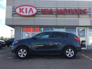 2014 Kia Sportage LX 6-SPEED HEATED SEATS / BLUETOOTH - $45* WEE