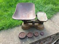 VINTAGE ANTIQUE CARNEGIE & LAYTON OF BIRMINGHAM CAST IRON & BRASS BAKERS WEIGHING SCALES & WEIGHTS