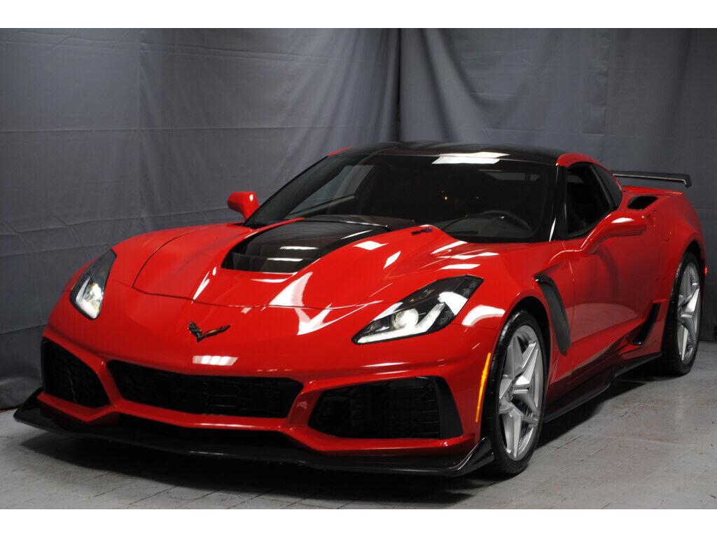 2019 Red Chevrolet Corvette     C7 Corvette Photo 1