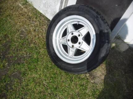 ford 15 inch bathurst globe alloy mag wheel