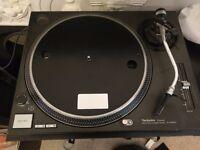 Technics SL-1210 MK2 turntable