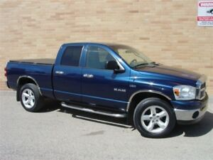 2008 Dodge Ram 1500 SLT 4X4. 5.7 L. Hemi! Loaded!