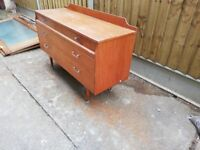 Retro side board / chest of drawers