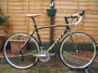 SCOTT CR1 Comp CARBON Road Bike. 54cm. 8,2kg. 30 speed. Shimano 105. Excellent condition (Like New)