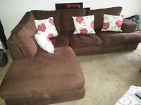 LARGE 5 SEATER BROWN FABRIC CORNER SOFA WITH FREE DELIVERY.