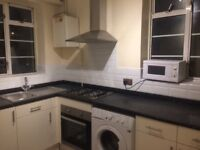 SPACIOUS 3 BED FLAT NOW AVAILABLE in postcode E1