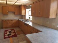 Complete Kitchen with 20 units + 4 appliances - URGENT