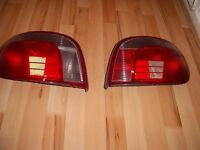 GENUINE TOYOTA YARIS FRONT LIGHT AND BACK LIGHT FOR 99 TO 2005 EXCELLENT CONDITION