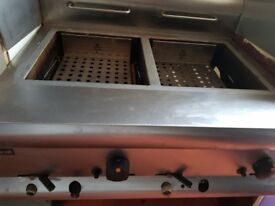 reduced price* Lincat Silverlink 600 DF7 double LPG catering fryer