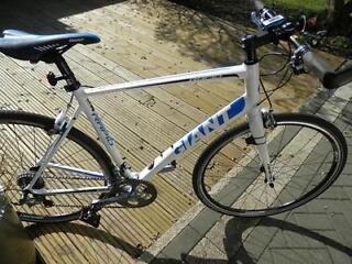 Giant Rapid 1 2013 Flat Bar Road Bike