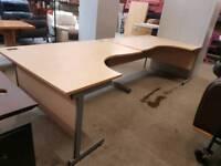Corner office desks (160cm wide)