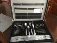 New 72 piece Cutlery Set