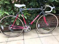 Vintage Peugeot road racing touring city bike - excellent condition near new