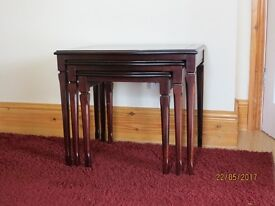 Nest of 3 tables solid wood