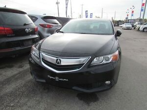 2013 Acura ILX Premium Package | LEATHER | ROOF | HEATED SEATS London Ontario image 2