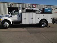 2007 Ford F750 4 x 2