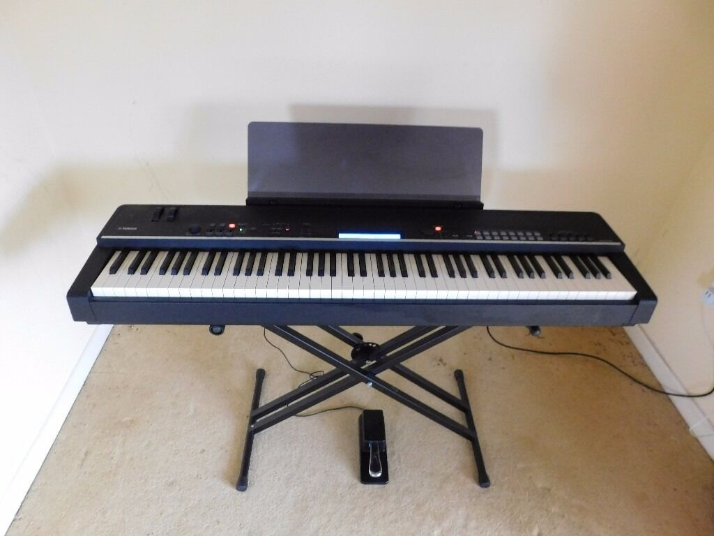 yamaha cp4 88 key wooden stage piano keyboard mint condition in warminster wiltshire gumtree. Black Bedroom Furniture Sets. Home Design Ideas
