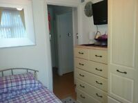 (Student Only) Single Room incl Breakfast & Dinner - Homestay