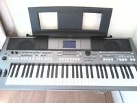 YAMAHA PSR S 670 ARRANGER KEYBOARD