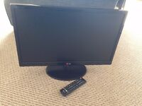 LG 24-inch Widescreen 1080p Full HD LED TV with Freeview - remote included