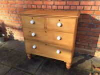 Vintage 4 Draw Chest of Draws with White Ceramic Knobs