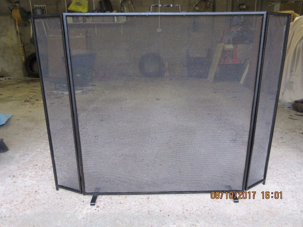 Large 3 section black fire guard / screen