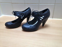 Womens size 6 black mary jane shoes from Fiore, 3.5 inch heel