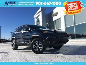 2015 Jeep Cherokee TRAILHAWK - 4X4, LEATHER, HEATED SEATS & STEE