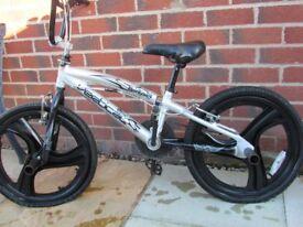 Vertical Badlands Silver BMX Bike