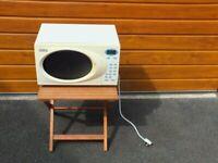 Delonghi 800 Watt Microwave