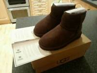 Genuine UGG boots size 10 new