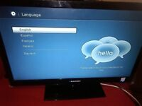 24 inch HDMI USB FREEVIEW LED 1080P TV AS NEW ON STAND +REMOTE