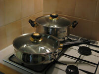"2x good quality Carlton Royal Luxe stainless steel 10"" pans with glass lids, made in Germany, vgc"