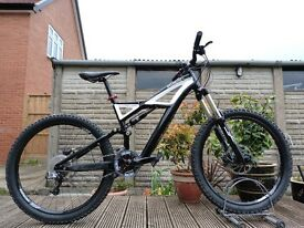 "2011 Specialized Enduro Comp Mountain Downhill Bike 18"" Medium Frame - Full Suspension 160mm travel"
