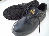 Mens Trucker black safety shoe