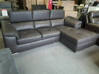 BROWN LEATHER CORNER SOFA WITH ADJUSTABLE HEADRESTS