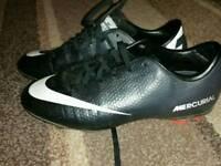 Nike mercurial football trainers