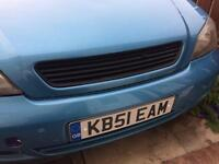 Vauxhall astra. Badgeless grill.