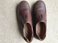 Clarkes men's brown leather shoes. Modern design. Size 9