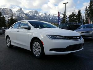 2016 Chrysler 200 LX Almost New Low Kms Great Price !!!! *Canmor